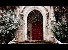 Chteau d'Abbadie (florenarocena) Tags: schnee winter snow castle beautiful nieve neige hm 1001nights schloss castillo chateaux escaleras elurra puertas gaztelu jauregi flickraward concordians platinumheartaward flickrestrellas updatecollection mbpictures 1001nightsmagiccity mygearandmepremium