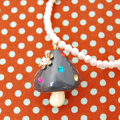 Kinoko Necklace - A shitake a day keeps the doctor away!