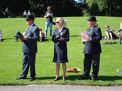 El Gran Jurado (a_marga) Tags: uk green castle hat race scotland three countryside escocia blair tres bowler castillo jurado jury bombin
