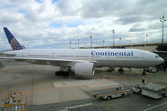 Newark NJ April 2010 (lemoncat1) Tags: newjersey nj continental boeing newark 777 triple7 newarkliberty