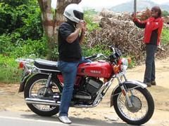 157 (Yazed RD350 Lord) Tags: red white black beauty bike june wow ride bangalore helmet bikes motorcycle yamaha gloss meet 2010 rd350