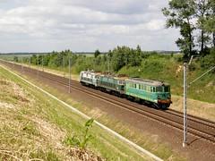 PKP ET22-937 + ET22-436 + ST43-198 , osiw 23.06.2010 (szogun000) Tags: railroad electric diesel engine poland polska rail railway olympus locomotive locomotora lokomotive opole pkp locomotiva  lokomotywa elektrowz opolskie opolszczyzna et22 060da st43 spalinowz sp550uz et22937 st43198 osiw et22436 d29132
