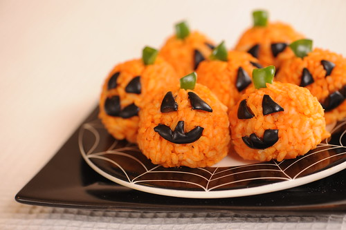 carrot rice ball mini-jack o' lanterns, see more at http://homemaderecipes.com/healthy/16-halloween-treats/