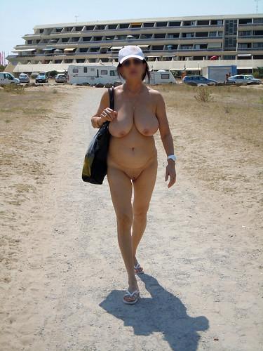free nude sunbathing beach spy cam pics: nudebeach