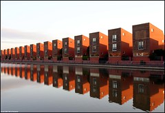 Han Diekmannkade (Dit is Suzanne) Tags: reflection netherlands architecture nederland explore trophy canondigitalrebel groningen lovelovelove greatpix architectuur weerspiegeling aclass   vinex cotcmostfavorited supershot winnerflickrsweeklythemecontest deheld abigfave 123nl  handiekmannkade aquamarijnpad  thepritzkerarchitectureprize ziekthuis img6656 sigma18125mm13556 22052007 geo:lon=6514227 geo:lat=53230605 dutchelite thegoldendreams views3100