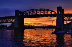 Sunset, Burrard Street Bridge, Vancouver (Thad Roan - Bridgepix) Tags: bridge winter sunset mountain canada reflection water vancouver clouds sailboat marina boats marine bc britishcolumbia bridges historic falsecreek kitsilano burrard olympics span bridging burrardbridge burrardstreetbridge 200707 skyarchitecture bridgepixing bridgepix