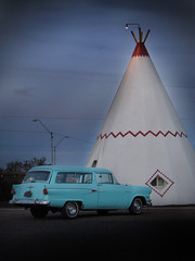 Vintage Car Parked at the Wigwam Motel in Holbrook, Arizona on Route 66 (Greg - AdventuresofaGoodMan.com) Tags: road park travel sunset arizona usa pee car america hotel route66 nikon highway parkinglot greg antique parking lot motel az lodge americana motor teepee tee holbrook wigwam goodman motherroad motorlodge wigwamhotel d80 nikond80 greggoodman
