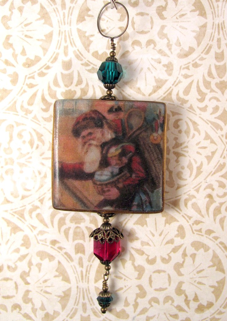2010 Holiday Ornament Collection - Victorian Santa with Toys
