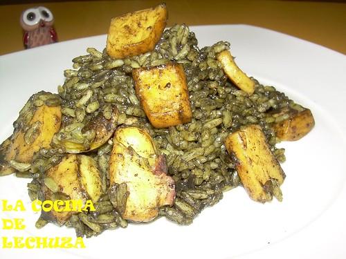 Jibia con arroz negro plato