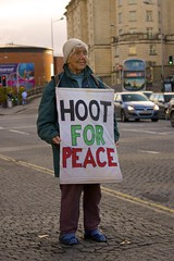 Hoot For Peace - Protest Lady - Bristol (Timbo Holmes) Tags: road park street old brown green car lady bristol for bush war peace harbour centre protest floating quay cameron blair clifton obama lois hoot atherden