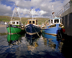 Scotland Ullapool _DSC10038 (youngrobv) Tags: uk greatbritain england reflection boats scotland highlands fishing nikon europe harbour britain wideangle loch d200 broom ullapool 0707 robale sigma1020 supersix youngrobv dsc10038 btgsort10