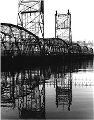 Stillwater Bridge (Photoz Darkly) Tags: bridge blackandwhite bw minnesota river blackwhite stcroix stillwater mn stcroixriver liftbridge houlton stillwaterbridge