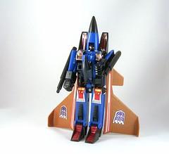 Transformers Dirge - modo robot (G1)