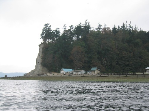 Approaching SE side of Hat Island