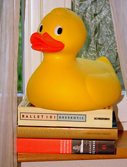 Rubber Ducky (Ramon2002) Tags: ballet yellow toy books rubber ducky medici feynman excellentphotographerawards ramon2002