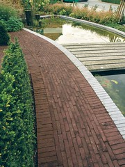 Garden Architect Geert Voets, Belgium (architectum) Tags: wood handicraft belgium terraces paving bluestone gardendesign gardenplace crea cornerstones oudhollands wienerberger claypavers authentica waterfeatures0076tif0610170610170076tif061017tif63beeldenbeeldenklantenkampenhoutwienerbergerbalkestraatgeertgeertvoetsklantenkleiklinkerstuinmakersvoets artemastiek gardenarchitect