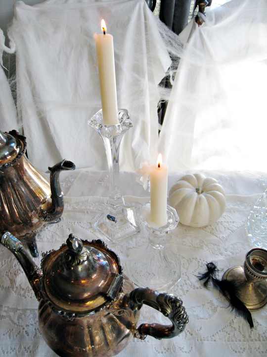 tarnished silver+burning candles+crystal candlesticks+ghost table+halloween decorations+light