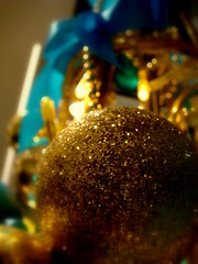 Decoration (KJGarbutt) Tags: christmas city uk blue england color colour london history museum photography gold sony capital cybershot sparkle britishmuseum kurtis sparkly sonycybershot garbutt borble kjgarbutt kurtisgarbutt kurtisjgarbutt kjgarbuttphotography