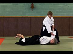 Ikkyo (Audrey Meffray) Tags: judo art canon 50mm fight martialart martial stage karate dojo aikido toulouse combat chute ikkyo aikidoka canon50mmf18ii fonsorbes canon450d