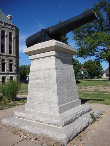 Gage County Courthouse Cannon (Beatrice, Nebraska)