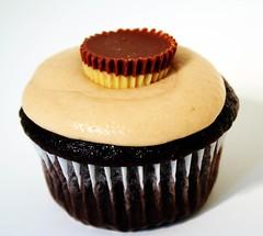 Freakgirl's Elvis Reese's Cupcake