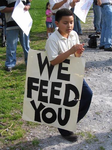 """La Marcha II: """"We feed you"""""""