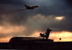 People Express 727's (Jersey JJ) Tags: winter sunset sky people clouds airplane airport aircraft jet explore express boeing newark ewr 29 runway airliner 727 trijet b727 runway29 peoplexpress