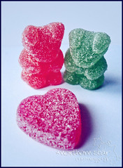 sweet love. (*northern star) Tags: gummybears gummy bears sugar candy candies sweet heart orsini zucchero carie dolce dolci dolcini dolcetti orsetti gomma red rosso green verde love amore explore explored onexplore tititu northernstar northernstarandthewhiterabbit canon concept conceptual northernstar northernstarphotography d allrightsreserved usewithoutpermissionisillegal ifyouwannatakeitforpersonalusesnotcommercialusesjustask donotsteal