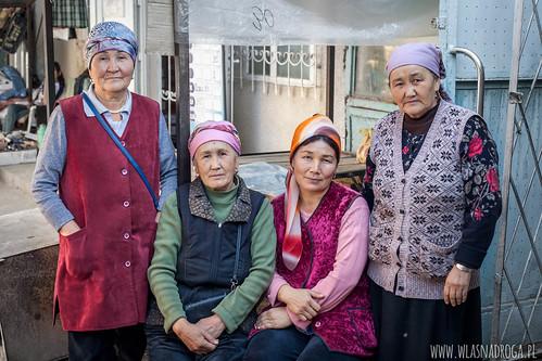 Sympatyczne panie na targu w Toktogul