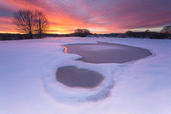 Winter Sunrise (Alfredo.Ruiz) Tags: winter snow water sunrise canon frozen agua nieve amanecer invierno alava haida filtro opakua ef1740 congelada entzia eos6d alavavision
