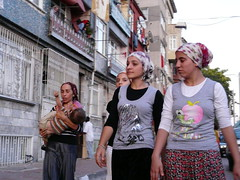 P1060148 (CristinaSegura) Tags: street travel people woman turkey calle gente streetphotography viajes mujeres istambul estambul turqua airelibre fotodegrupo