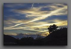 CREPSCULO V. (manxelalvarez) Tags: nubes cielos crepsculo solpor nubesdesolpor