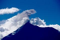 Volcn Fuego en Erupcin ((Jessica)) Tags: mountain volcano guatemala smoke antigua telephoto eruption pw volcn antiguaguatemala feugo erupcin