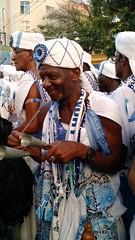 Salvador - Brasil - Carnaval 2016 (cwb news) Tags: city cidade brazil brasil de grande desfile da bahia campo salvador ghandi carnaval ba sao filho homem filhos sons circuito gandi tocando instrumento 2016 musico percussao percussionista desfilando ghandy