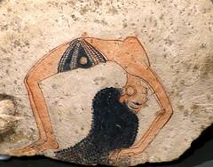 Danzarina acrobtica (Museo egipcio Turn, 1200 a. C) (alfonsocarlospalencia) Tags: puente ojo mujer arte museo rizos xix bailarina piedra aro joya maravilla melena egipcio pendiente turn acrobtica dinasta ostraca danzarina ramsida