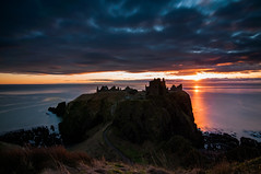 Dunnottar Castle (EricHarden) Tags: castle sunrise scotland tokina dunnottar stonehaven d300 1116mm
