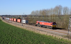 66-152-4L56-Heamies-Farm- Norton-Bridge-7-3-2016 (D1021) Tags: shed pole staffordshire dbs d300 class66 intermodal ews 66152 nikond300 poleshot nortonbridge dbschenker heamiesfarm 4l56
