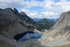 Chair Peak Lake (Sean Munson) Tags: alpinelakeswilderness alpinelakeswildernessarea chairpeaklake gemlake hiking mountbakersnoqualmienationalforest mountwright mountains mtbakersnoqualmienationalforest mtwright nationalforest washington landscape