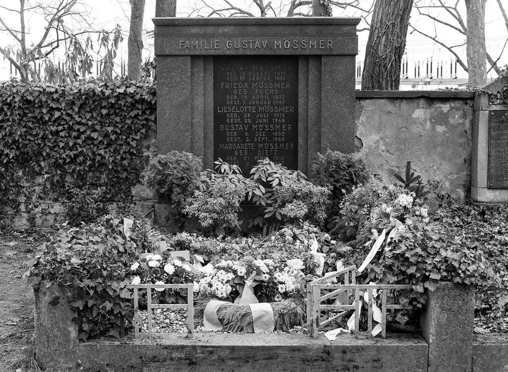 The World\'s Best Photos of grave and offenbach - Flickr Hive Mind