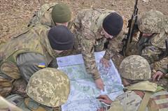 Anglų lietuvių žodynas. Žodis map-reading reiškia n naudojimasis žemėlapiu/planu (ypač nustatant kelią) lietuviškai.