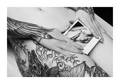 Meelyn (Knipsbildchenknipser) Tags: bw girl monochrome tattoo nude polaroid sx70 blackwhite akt sw schwarzweiss impossible meelyn