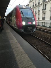 Train  l'approche - Gare de Colombes (stefff13) Tags: paris france train gare rails colombes