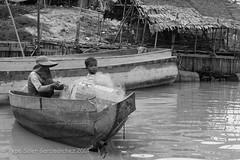 Fishing (Pepe Soler Garcisnchez) Tags: cambodia sony bn vietnam siemreap camboya nex nikkon50mm nex7 lagosep