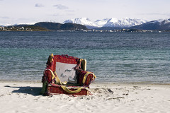 past throne (beast.caged) Tags: city blue red sky mountain snow beach water norway island norge chair europe wave og shore fjord armchair scandinavia lesund romsdal mre vesetandet