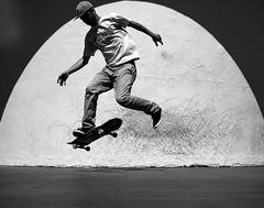 Street Skater (Christof Timmermann) Tags: barcelona blackwhite olympuspen scater streetfotography streetfotografie skateborrd soulofbarcelona