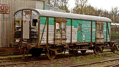 SR (JOHN BRACE) Tags: green by see br looking very c under some railway number worn unknown need van keynes care bluebell sr livery horsted