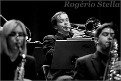 New York Youth Symphony Jazz Band (Rogerio Stella) Tags: show new york stella bw music white black branco youth portraits matt banda photography photo concert nikon photographer tour song retrato live stage gig performance band jazz pb preto rogerio portraiture idol instrument trombone fotografia documentation venue instruments msica ensemble symphony saxophone palco holman fotojornalismo dolo 2016 apresentao saxofone documentao documentarist 17member nyys brasswindandpercussion