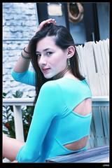 nEO_IMG_DP1U2678 (c0466art) Tags: blue light portrait window girl beautiful face canon store nice pretty slim outdoor gorgeous ale skirt el east short figure salvador taipei tall charming steet 1dx c0466art fashional