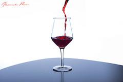 Lecker...... (alexpauen) Tags: red macro glass nikon wine micro d750 60mm f28 glas wein hintergrund getrnk weiser rotwein lebensmittel