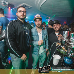 DSC_9014 (losmiercolesnoserespetan) Tags: sports bar wednesday se los connecticut no ct illusions waterbury miercoles humpday respetan losmiercolesnoserespetan